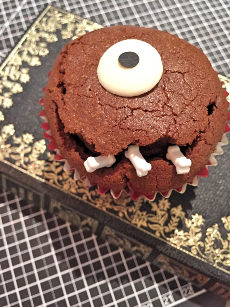 Cupcake Muffin d'Halloween chocolat oréo et beurre de cacahuète